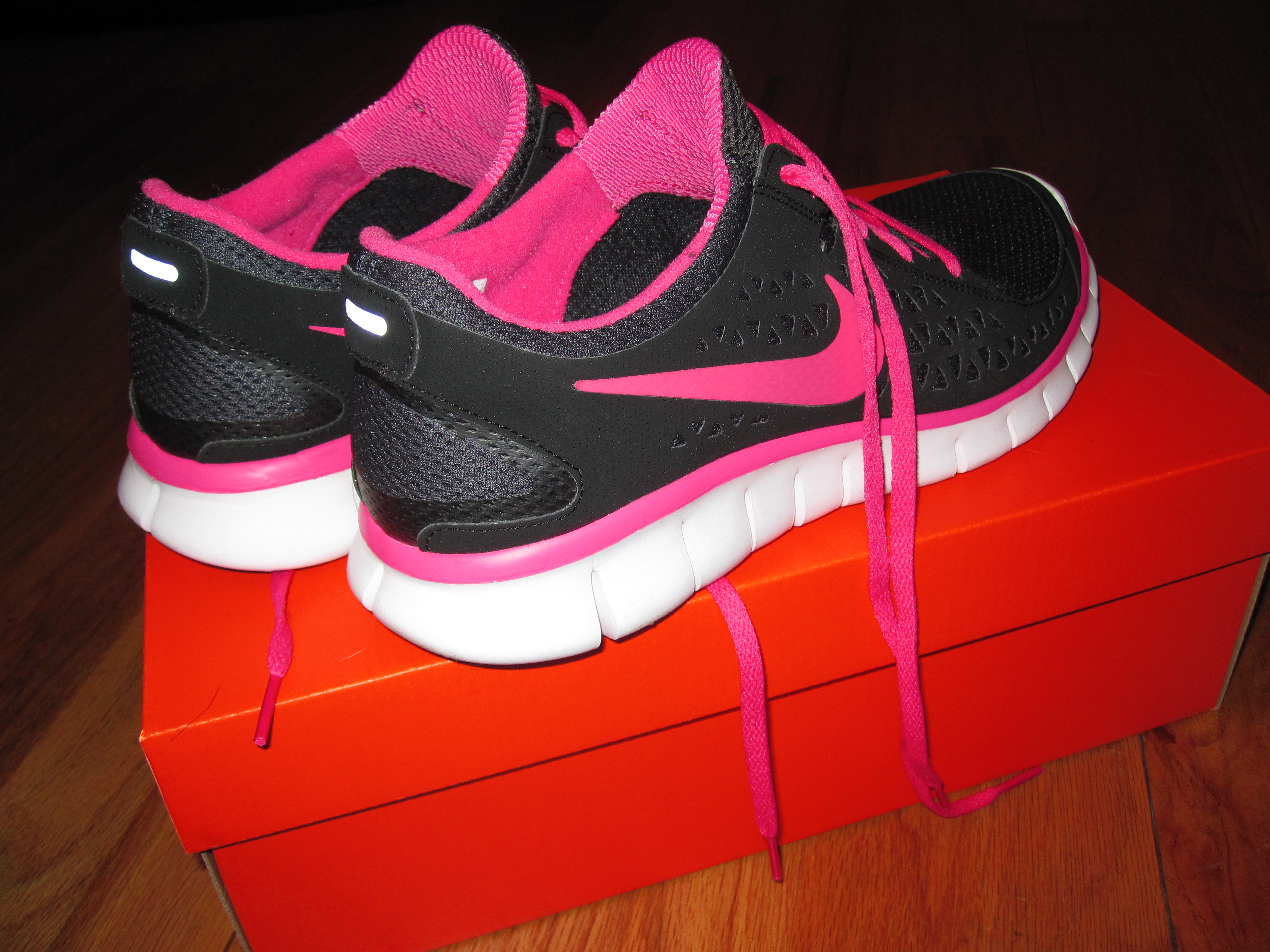 a11979d50fb2 New Nike Free Running Shoes